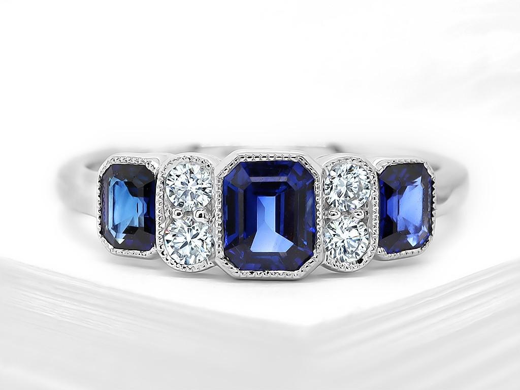 Kullast sõrmus teemantide ja safiiridega Kood: 7mKullast sõrmus teemantide ja safiiridega Kood: 7m