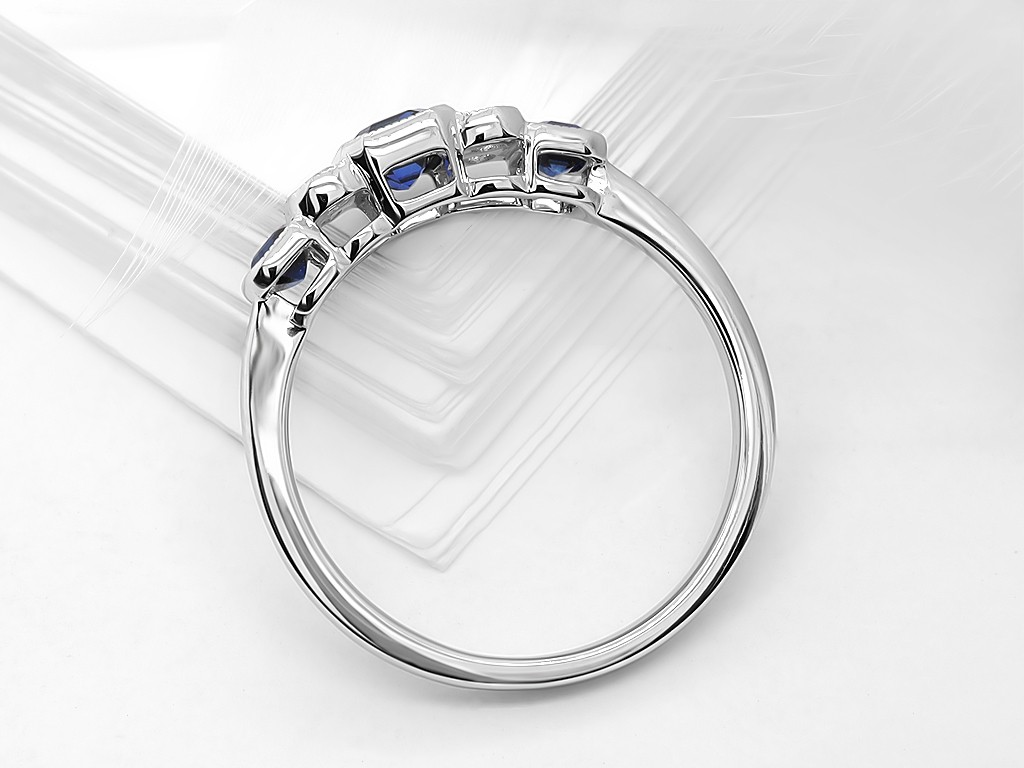 Kullast sõrmus teemantide ja safiiridega Kood: 7m