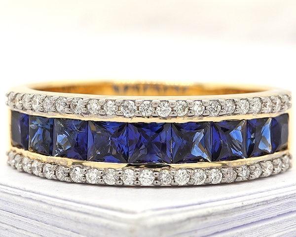 Kullast sõrmus teemantide ja safiiridega Kood: 13m